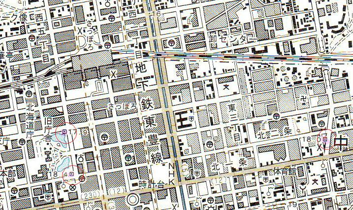 街中の密やかなる水準点_f0078286_9501678.jpg