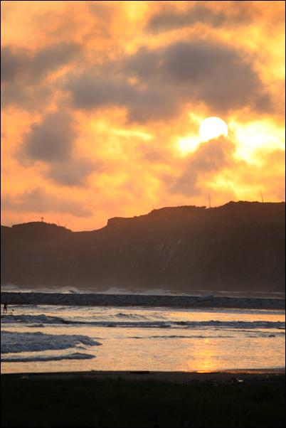BANZAI SURFING_f0154850_750266.jpg