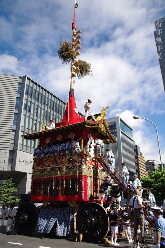 京都祇園祭・山鉾巡行の朝_a0157263_2215288.jpg