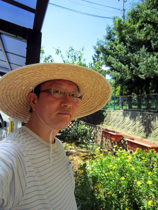 いちごと堆肥と自画像・・・阿野音楽教室_f0051464_175882.jpg