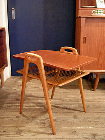 Side Table (DENMARK) & お知らせ_c0139773_191454.jpg