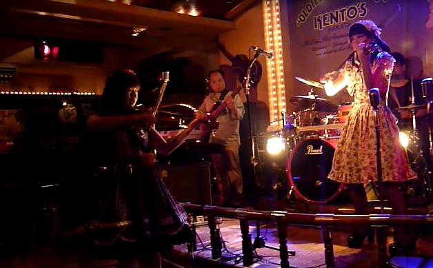 バイオリンロックバンド、ROSSOの博多ケントスライブ、終了。_e0188087_1364881.jpg