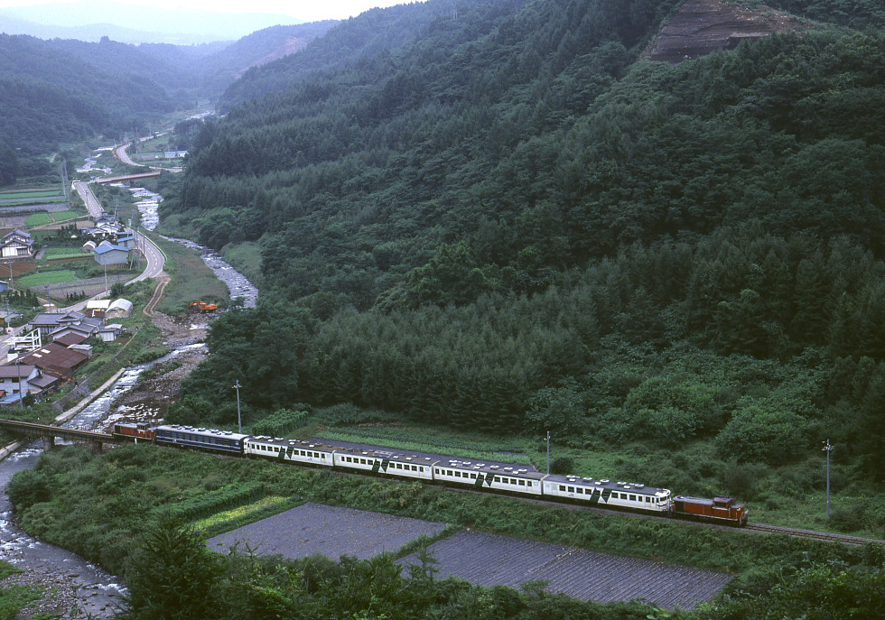 八ヶ岳の麓 - 1988年・小海線 -_b0190710_2338912.jpg