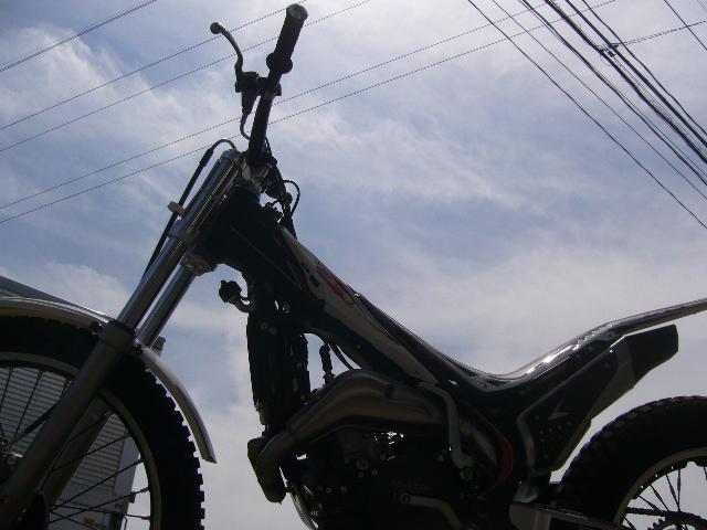なんと美しいバイクだろう!!_c0080863_1227840.jpg