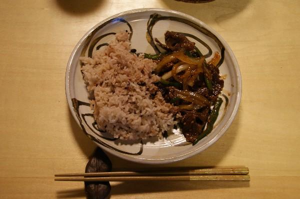 夕飯は牛肉の野菜炒め_e0166355_18563714.jpg