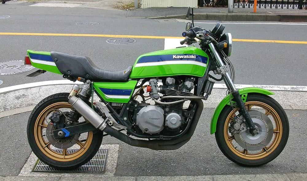 Z1000J タイヤ交換でピレリー スポーツデーモンに!_c0086965_22243330.jpg