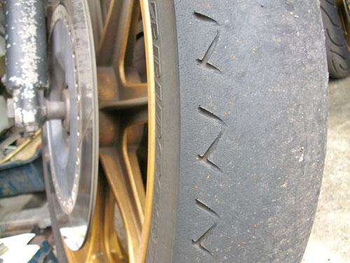 Z1000J タイヤ交換でピレリー スポーツデーモンに!_c0086965_2225579.jpg