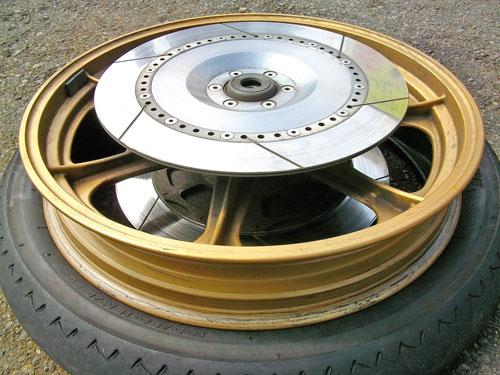 Z1000J タイヤ交換でピレリー スポーツデーモンに!_c0086965_22262877.jpg
