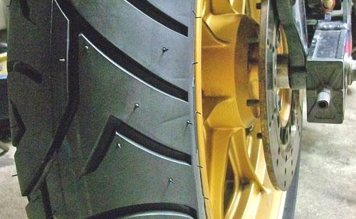 Z1000J タイヤ交換でピレリー スポーツデーモンに!_c0086965_22285360.jpg
