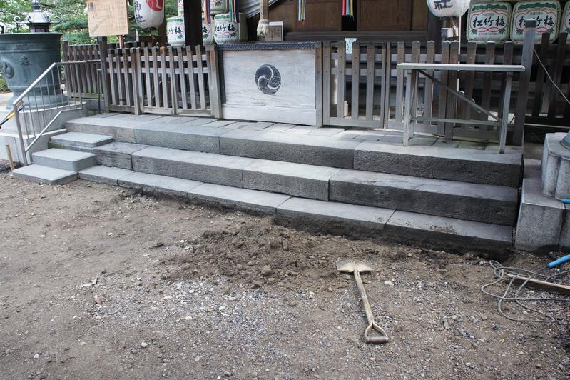 松戸神社 参道改修工事  2011.8.31_e0223769_16502116.jpg