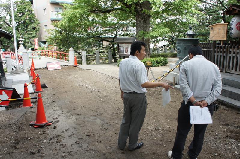 松戸神社 参道改修工事  2011.8.31_e0223769_16514732.jpg