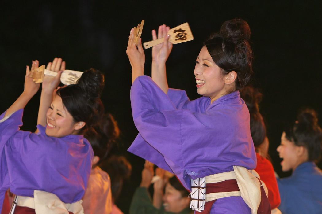第13回日本ど真ん中祭り:岐阜聖徳学園大学 柳 その1_c0187584_1951812.jpg