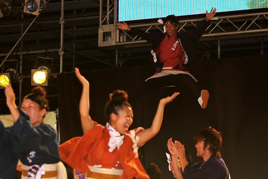 第13回日本ど真ん中祭り:岐阜聖徳学園大学 柳 その1_c0187584_1964972.jpg