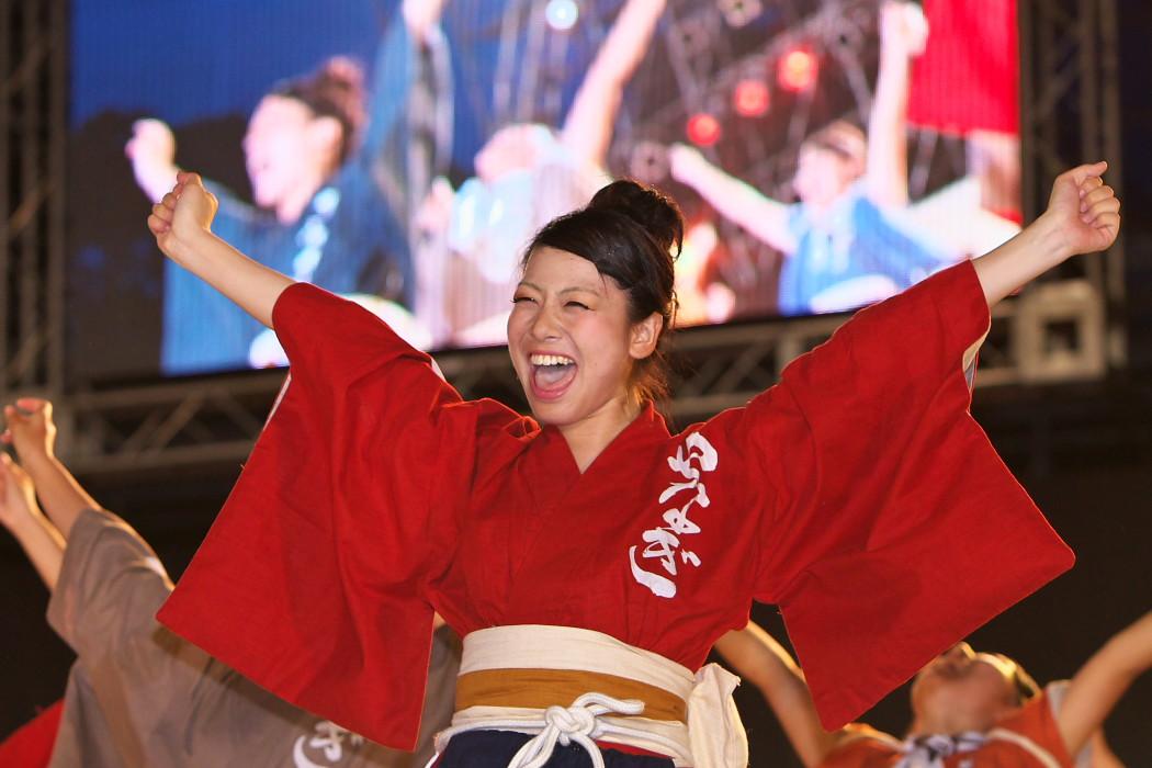 第13回日本ど真ん中祭り:岐阜聖徳学園大学 柳 その1_c0187584_1975639.jpg