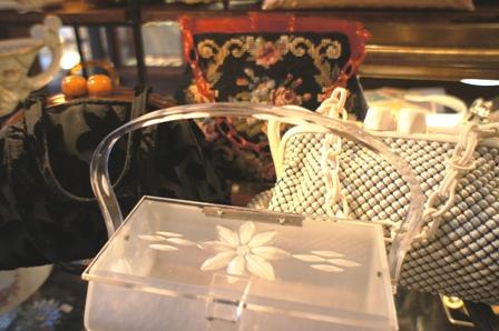 ローズリングのバッグが撮影に使われました。_f0196455_17201335.jpg
