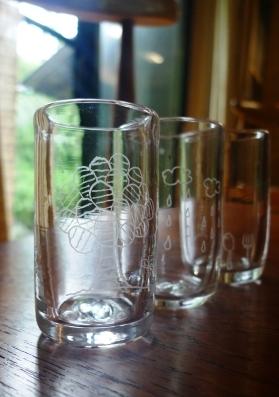 サイトウカツヨさんのガラスのうつわ。_f0177373_1944289.jpg