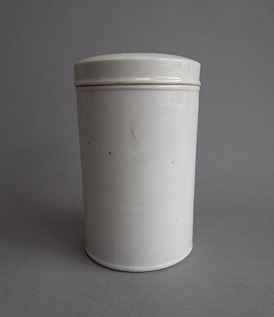 筒の保存容器_e0111789_1054670.jpg