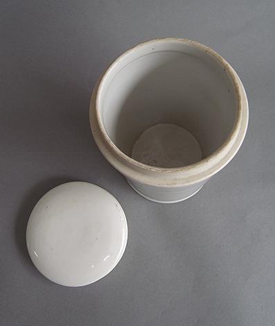筒の保存容器_e0111789_1055115.jpg