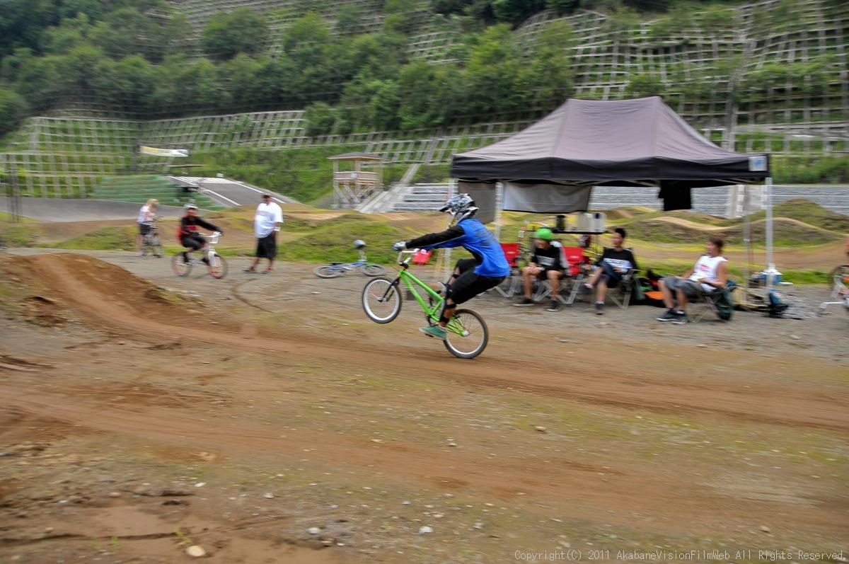 CREDIT camp for kids 2011 VOL4:Day1 BMXライドその2~キャンプナイト_b0065730_15234889.jpg