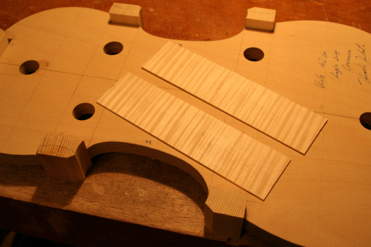 弦楽器フェアのお知らせ、広告編、と製作記_d0047461_657039.jpg