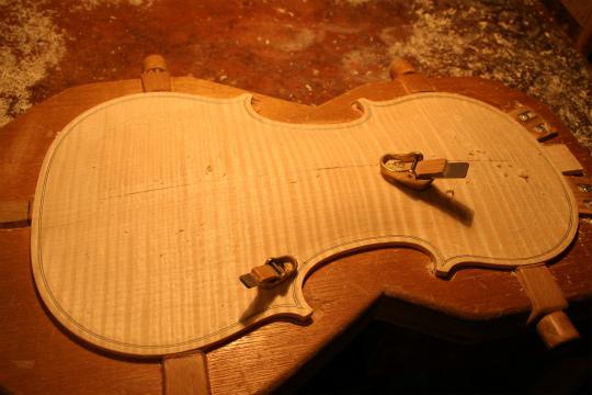 弦楽器フェアのお知らせ、広告編、と製作記_d0047461_77739.jpg