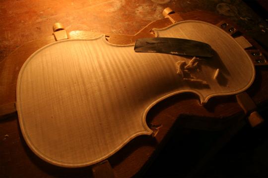 弦楽器フェアのお知らせ、広告編、と製作記_d0047461_784435.jpg