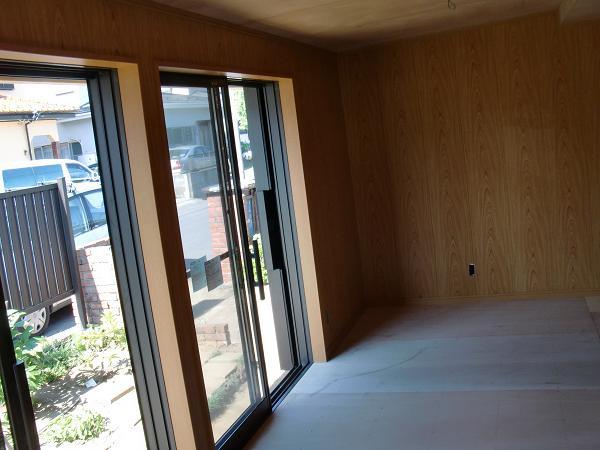 増築工事 ~ 天井、壁、床ができました。_d0165368_5384969.jpg