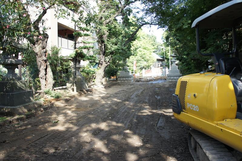 松戸神社 参道改修工事  2011.8.28_e0223769_21565527.jpg