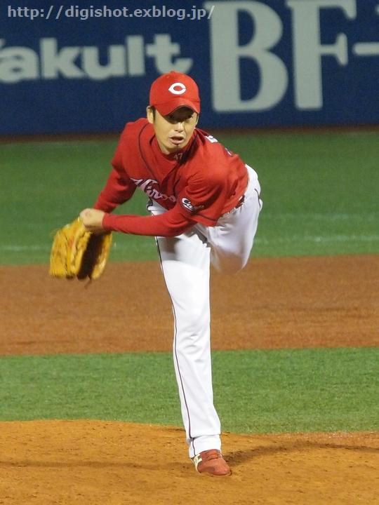 青木対決は青木宣親選手がヒットを打ちノーアウトで出塁1塁ベースで栗原選手... 8/31神宮観戦