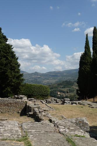 ローマ人の気持ちとローマ古代劇場跡~フィエーゾレ_f0106597_2524775.jpg