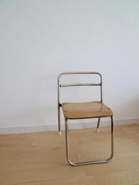古い子供の椅子_e0214646_22553248.jpg