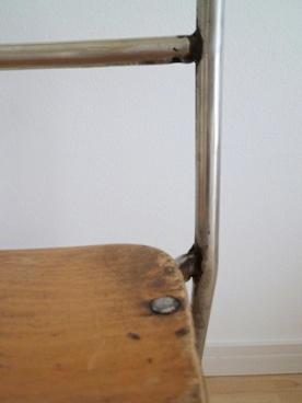 古い子供の椅子_e0214646_22561388.jpg
