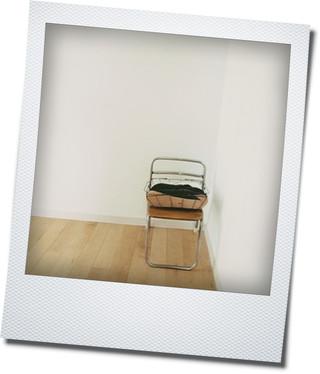 古い子供の椅子_e0214646_22583376.jpg