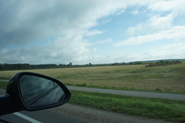 聖十字架の丘を越え、ラトビアの首都リガへ_c0011649_1171347.jpg