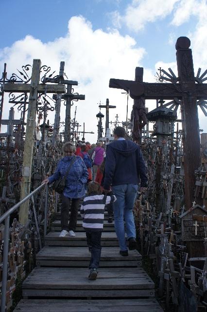 聖十字架の丘を越え、ラトビアの首都リガへ_c0011649_1193824.jpg
