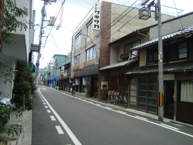 京都・丸太町「京陶器 ハセガワ」へ行く。_f0232060_19124623.jpg