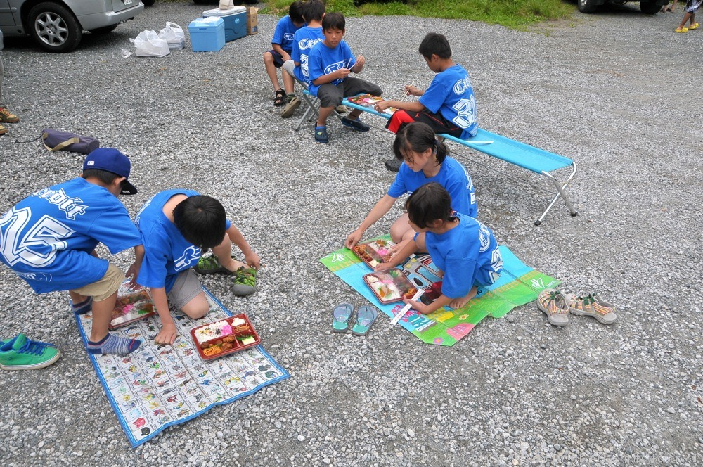 CREDIT camp for kids 2011VOL10:Day3カヌーライドその3クリフジャンプ〜帰還_b0065730_9154519.jpg