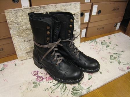 DOVER の続きは、ブーツたちです。_c0227633_22363043.jpg