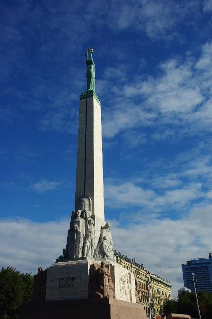 リガの旧市街散策、そしてエストニアのタリンへ_c0011649_11205894.jpg