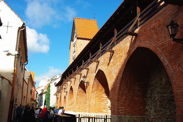 リガの旧市街散策、そしてエストニアのタリンへ_c0011649_11283710.jpg