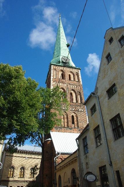 リガの旧市街散策、そしてエストニアのタリンへ_c0011649_11405693.jpg