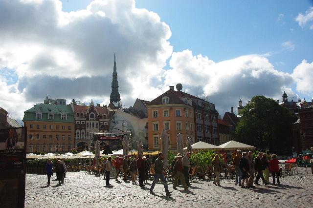 リガの旧市街散策、そしてエストニアのタリンへ_c0011649_11544582.jpg