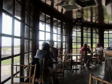 ハドソン川が絶景な、崖の上のカフェ_d0240098_8451380.jpg