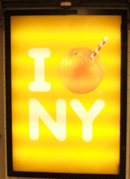 トロピカーナ・オレンジジュースがユニークなNY限定キャンペーン_b0007805_015111.jpg