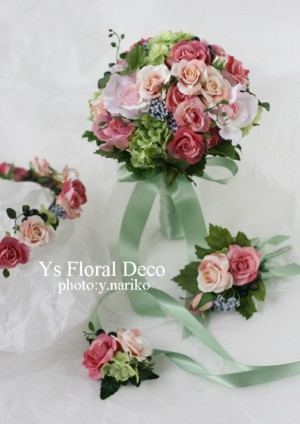 カラフルなブーケ&花冠 ミントグリーンのドレスに_b0113510_0124223.jpg
