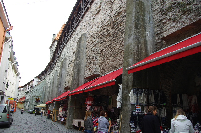 エストニアの首都タリンの旧市街散策_c0011649_3112023.jpg