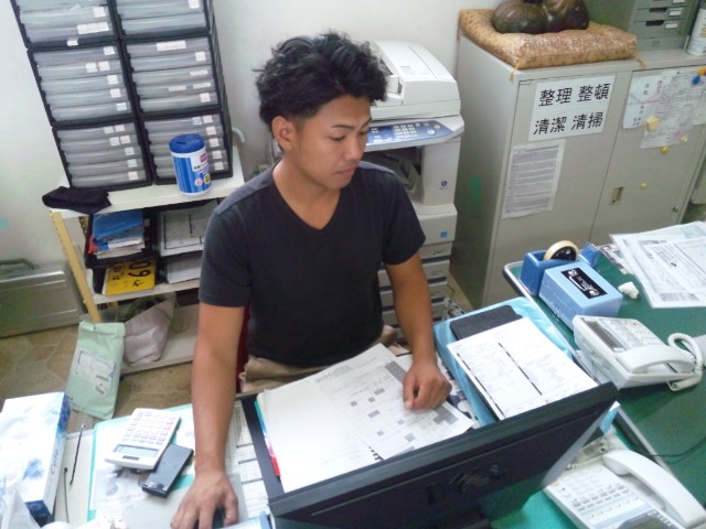 店長のニコニコブログ!休み明けのトミーモータース!_b0127002_20491095.jpg