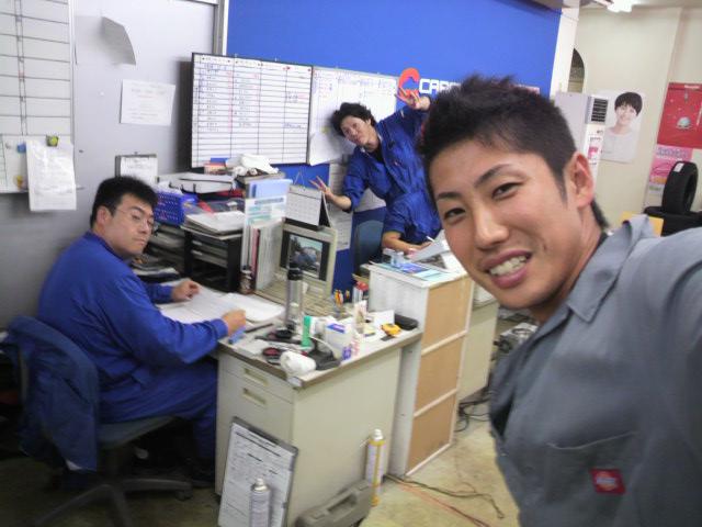 店長のニコニコブログ!休み明けのトミーモータース!_b0127002_2283941.jpg