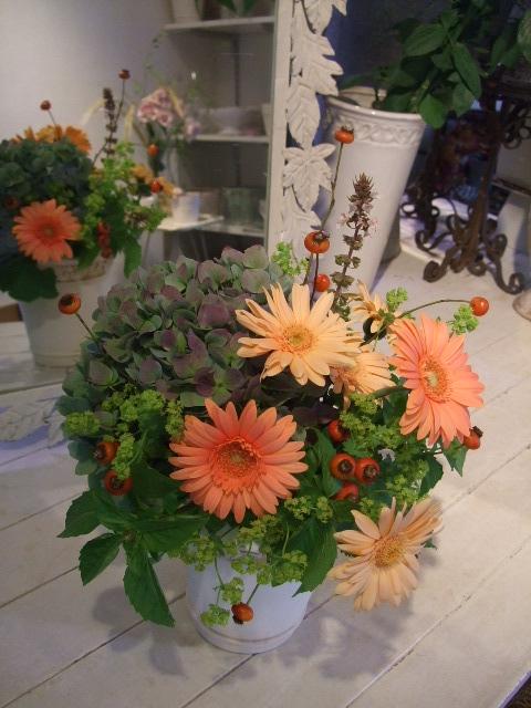 オークリーフ花の教室(岸川さんの作品)_f0049672_14291196.jpg