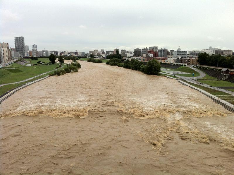 Toyohira River flooding_e0014773_20351155.jpg